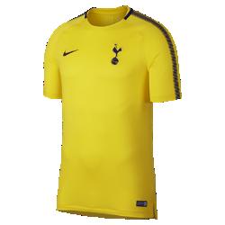 Мужская игровая футболка с коротким рукавом Tottenham Hotspur FC SquadМужская игровая футболка с коротким рукавом Tottenham Hotspur FC Squad из дышащей влагоотводящей ткани с фирменными деталями обеспечивает прохладу и комфорт.<br>