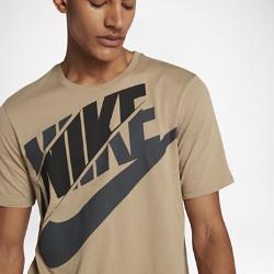 Мужская футболка Nike Sportswear LogoМужская футболка Nike Sportswear Logo из мягкого и прочного хлопка обеспечивает комфорт на весь день.<br>