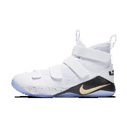 Мужские баскетбольные кроссовки LeBron Soldier XIМужские баскетбольные кроссовки LeBron Soldier XI из мягкой дышащей сетки с инновационной системой поддержки плотно облегают и фиксируют стопу, обеспечивая оптимальный комфорт на площадке.<br>