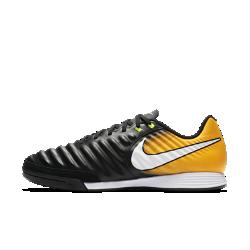 Футбольные бутсы для игры в зале/на поле Nike TiempoX Ligera IVФутбольные бутсы для игры в зале/на поле Nike TiempoX Ligera IV с верхом из телячьей кожи для непревзойденного касания дополнены внутренним слоем из сетки, который предотвращает растяжение кожи со временем.<br>