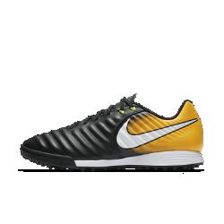 Футбольные бутсы для игры на искусственном газоне Nike TiempoX Ligera IVФутбольные бутсы для игры на искусственном газоне Nike TiempoX Ligera IV с верхом из телячьей кожи для непревзойденного касания дополнены внутренним слоем из сетки, которыйпредотвращает растяжение кожи со временем.<br>