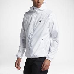 Мужская куртка Jordan Sportswear Wings WindbreakerМужская куртка Jordan Sportswear Wings Windbreaker с обтекаемой конструкцией и регулируемым «водолазным» капюшоном обеспечивает невесомую защиту от ветра.<br>