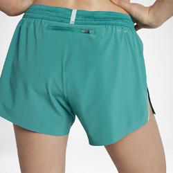 Женские беговые шорты 10 см Nike AeroSwiftЖенские беговые шорты 10 см Nike AeroSwift с технологией AeroSwift, подкладкой и поясом Flyvent обеспечивают легкость, комфорт и вентиляцию в зоне повышенного тепловыделения.<br>
