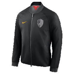 Мужская куртка НБА Cleveland Cavaliers City Edition Nike ModernМужская куртка НБА Cleveland Cavaliers City Edition Nike Modern отражает уникальный стиль нового командного джерси City Edition. Слегка эластичный тканый материал с подкладкой из гладкой тафты идеально сочетается с деталями джерси.<br>