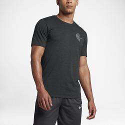 Мужская футболка Nike Dry BasketballМужская футболка Nike Dry Basketball из влагоотводящей ткани обеспечивает вентиляцию и комфорт.<br>