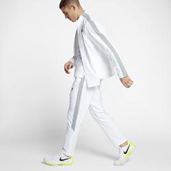 Мужской костюм для разминки NikeCourt WovenМужской костюм для разминки NikeCourt Woven включает куртку и брюки из влагоотводящей ткани для комфорта во время разминки и заминки.<br>