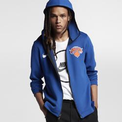 Мужская худи НБА New York Knicks Nike Therma Flex ShowtimeМужская худи НБА New York Knicks Nike Therma Flex Showtime из эластичной ткани обеспечивает тепло и комфорт, помогая полностью сосредоточиться на игре. Тепло, эластичность и комфорт Ткань Nike Therma Flex обеспечивает тепло и превосходную свободу движений. Технология Dri-FIT отводит влагу от кожи, обеспечивая комфорт. Оптимальный обзор и слышимость Традиционный капюшон с новым дизайном не ограничивает обзор во время игры, а вставка из сетки улучшает слышимость. Удобное хранение Боковые карманы на молнии для телефона и других мелочей. Информация о товаре  Эластичные манжеты особой формы не мешают при ведении мяча Удлиненная сзади нижняя кромка обеспечивает защиту во время бросков мяча Боковые разрезы обеспечивают свободу движений Состав: 91% полиэстер/9% спандекс Машинная стирка Импорт<br>