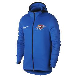 Мужская худи НБА Oklahoma City Thunder Nike Therma Flex ShowtimeМужская худи НБА Oklahoma City Thunder Nike Therma Flex Showtime из эластичной ткани обеспечивает тепло и комфорт, помогая полностью сосредоточиться на игре. Тепло, эластичность и комфорт Ткань Nike Therma Flex обеспечивает тепло и превосходную свободу движений. Технология Dri-FIT отводит влагу от кожи, обеспечивая комфорт. Оптимальный обзор и слышимость Традиционный капюшон с новым дизайном не ограничивает обзор во время игры, а вставка из сетки улучшает слышимость. Удобное хранение Боковые карманы на молнии для телефона и других мелочей. Информация о товаре  Эластичные манжеты особой формы не мешают при ведении мяча Удлиненная сзади нижняя кромка обеспечивает защиту во время бросков мяча Боковые разрезы обеспечивают свободу движений Состав: 91% полиэстер/9% спандекс Машинная стирка Импорт<br>