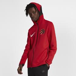 Мужская худи НБА Toronto Raptors Nike Therma Flex ShowtimeМужская худи НБА Toronto Raptors Nike Therma Flex Showtime из эластичной ткани обеспечивает тепло и комфорт, помогая полностью сосредоточиться на игре. Тепло, эластичность и комфорт Ткань Nike Therma Flex обеспечивает тепло и превосходную свободу движений. Технология Dri-FIT отводит влагу от кожи, обеспечивая комфорт. Оптимальный обзор и слышимость Традиционный капюшон с новым дизайном не ограничивает обзор во время игры, а вставка из сетки улучшает слышимость. Удобное хранение Боковые карманы на молнии для телефона и других мелочей. Информация о товаре  Эластичные манжеты особой формы не мешают при ведении мяча Удлиненная сзади нижняя кромка обеспечивает защиту во время бросков мяча Боковые разрезы обеспечивают свободу движений Состав: 91% полиэстер/9% спандекс Машинная стирка Импорт<br>