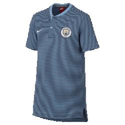 Рубашка-поло для школьников Manchester City FC Modern Authentic Grand SlamРубашка-поло для школьников Manchester City FC Modern Authentic Grand Slam из мягкого смесового хлопка дополнена накладкой с тканой символикой команды.<br>