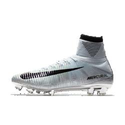 Футбольные бутсы для игры на твердом грунте Nike Mercurial Superfly V CR7 SEФутбольные бутсы для игры на твердом грунте Nike Mercurial Superfly V SE CR7 обеспечивают превосходное касание мяча и надежную посадку, позволяя развивать высокую скорость на поле.<br>