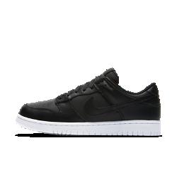 Мужские кроссовки Nike Dunk LowСозданная в духе классической баскетбольной модели 1985 года, мужская обувь Nike Dunk Low обеспечивает легкость и комфорт благодаря мягкой амортизации и верху из натуральной и синтетической кожи.<br>