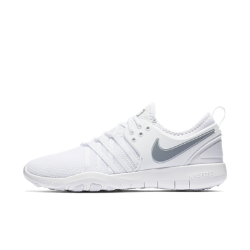 Женские кроссовки для тренинга Nike Free TR7Женские кроссовки для тренинга Nike Free TR7 AMP обеспечивают свободу движений и фиксацию во время интенсивных тренировок благодаря гибкой подошве с рисунком tri-star и поддерживающим нитям Flywire.<br>