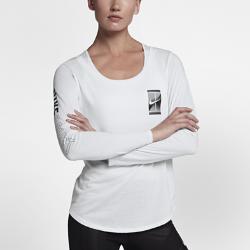 Женская теннисная футболка с длинным рукавом NikeCourt DryЖенская теннисная футболка с длинным рукавом NikeCourt Dry из влагоотводящей ткани обеспечивает комфорт во время игры.<br>