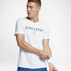 Мужская теннисная футболка NikeCourtМужская теннисная футболка NikeCourt из мягкого и прочного хлопка обеспечивает комфорт на весь день.<br>