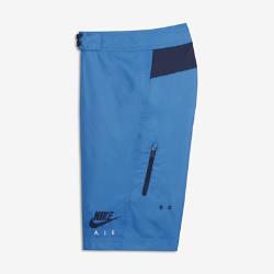 Бордшорты для мальчиков школьного возраста Nike SportswearБордшорты для мальчиков школьного возраста Nike Sportswear с эргономичными швами обеспечивают свободу движений в воде и на суше.<br>