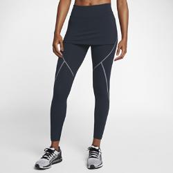 Женские тайтсы для тренинга со средней посадкой Nike Power 2-in-1Женские тайтсы для тренинга со средней посадкой Nike Power 2-in-1 из поддерживающей ткани дополнены короткой накладкой, образующей юбку. Благодаря этой универсальной конструкции тебе не придется брать на тренировку лишний предмет одежды. Однослойный пояс, в отличие от двухслойного, усиливает ощущение комфорта там, где это необходимо.<br>