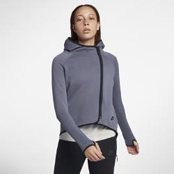 Женский кейп с молнией во всю длину Nike Sportswear Tech FleeceЖенский кейп с молнией во всю длину Nike Tech Fleece из мягкого и теплого материала с оригинальным силуэтом, завоевавшим популярность в 2013 году, обеспечивает тепло и комфорт в прохладную погоду.Вытачки на спине создают более женственный образ.<br>