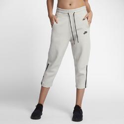Женские брюки Nike Sportswear Tech FleeceУкороченные женские брюки Nike Sportswear Tech Fleece из инновационной ткани со свободной посадкой обеспечивают тепло и комфорт.<br>