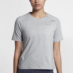 Женская беговая футболка с коротким рукавом Nike ElementЖенская беговая футболка с коротким рукавом Nike Element из мягкой влагоотводящей ткани обеспечивает комфорт и позволяет сконцентрироваться на беге.<br>
