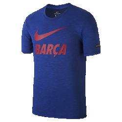 Мужская футболка Nike FC BarcelonaМужская футболка Nike FC Barcelona из мягкой ткани обеспечивает длительный комфорт на трибунах и на улицах города.<br>