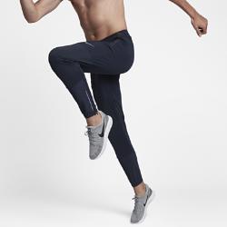 Мужские беговые брюки Nike Run Division 73,5Мужские беговые брюки Nike Run Division 73,5 из ткани с водоотталкивающим покрытием обеспечивают комфорт на всей дистанции. Свободный в области бедер крой сужается к щиколоткам для абсолютного комфорта во время пробежки и после нее.  Комфорт на весь день  Более свободная посадка выше коленей по сравнению с традиционными тайтсами обеспечивает комфорт. Ты можешь отправиться по делам, не переодеваясь после пробежки. Благодаря свободному крою в области бедер ты можешь носить брюки поверх шорт, а кромки на молнии позволяют быстро переодеваться.  Защита от дождя  Водоотталкивающее покрытие обеспечит комфорт, если во время пробежки начнется дождь.  Бери с собой все необходимое  Карман на молнии сзади справа защищает ключи, пластиковые карты, денежные купюры и телефон.<br>