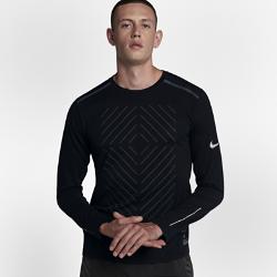 Мужская беговая футболка с длинным рукавом Nike Tailwind Run DivisionМужская беговая футболка с длинным рукавом Nike Tailwind Run Division обеспечивает абсолютный комфорт на интенсивных пробежках в прохладную погоду. Невероятно мягкая ткань идеально сочетается с сеткой на спине, отводящей излишки тепла. Эта футболка из коллекции Nike Run Division, представленная моделями в минималистичной цветовой гамме, отлично подходит для твоих тренировок.  Свобода движений  Плечевые швы смещены ближе к ключицам. В отличие от традиционной конструкции это создает дополнительное ощущение комфорта в области плеч, особенно при ношении спортивной сумки или рюкзака.  Выгляди стильно  Классический крой свитшота позволяет выглядеть стильно на пробежке и в любой другой ситуации.<br>
