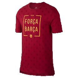 Мужская футболка FC Barcelona SquadМужская футболка FC Barcelona Squad из мягкого хлопка обеспечивает длительный комфорт на трибунах и на улице.<br>