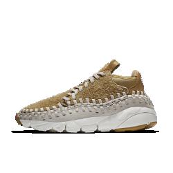 Мужские кроссовки Nike Air Footscape Woven Chukka QSМужские кроссовки Nike Air Footscape Woven Chukka QS среднего профиля с превосходным плетеным верхом и глубокими эластичными желобками выглядят стильно и не сковывают движений.<br>