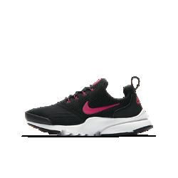 Кроссовки для школьников Nike Presto FlyКроссовки для школьников Nike Presto Fly — новая версия оригинальной модели 2000 года — обеспечивают комфортное плотное облегание благодаря дышащей, невероятно эластичной конструкции.<br>