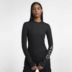 Женская футболка NikeLab ACG Long-SleeveОблегающая женская футболка NikeLab ACG Long-Sleeve с продуманным кроем повторяет движения тела, а вставки в области подмышек обеспечивают дополнительный комфорт.  ДИЗАЙН ДЛЯ ТЕПЛА  Это базовый слой для холодной погоды из джерси двойного переплетения с низким воротником-стойкой.  НАДЕЖНАЯ ПОСАДКА  Удлиненные манжеты с отверстиями для больших пальцев защищают руки от холода и фиксируют рукава.<br>