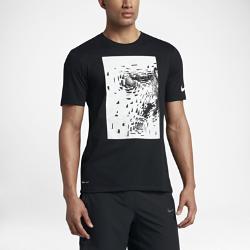 Мужская футболка Nike Dry KyrieМужская футболка Nike Dry Kyrie из мягкой влагоотводящей ткани с фирменной графикой обеспечивает комфорт на весь день.<br>