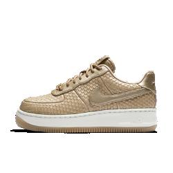 Женские кроссовки Nike Air Force 1 Upstep PremiumЖенские кроссовки Nike Air Force 1 Upstep Premium выводят оригинальный силуэт на новый уровень благодаря дышащему верху и слегка увеличенной платформе.<br>