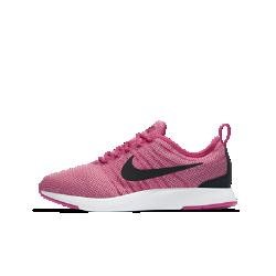 Кроссовки для школьников Nike Dualtone RacerВдохновленные культовой обувью для забегов кроссовки для школьников Nike Dualtone Racer плотно облегают стопу, создавая обтекаемый стремительный силуэт, а подошва двойнойплотности обеспечивает мягкую амортизацию.<br>
