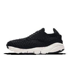 Женские кроссовки Nike Air Footscape WovenСтильные женские кроссовки Nike Air Footscape Woven с эффектным плетеным верхом и глубокими эластичными желобками не ограничивают естественных движений стопы.<br>