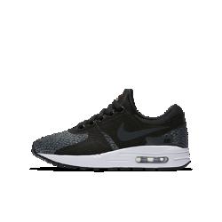 Кроссовки для школьников Nike Air Max Zero SEМодель Nike Air Max Zero была разработана в 1985 году, однако ее релиз состоялся только в 2015. Это оригинальная концепция Nike Air Max 1, которая, как и другие модели линейки, выражает революционный дух Nike Air.<br>
