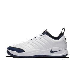 Мужские теннисные кроссовки Nike Air Zoom OscillateМужские теннисные кроссовки Nike Air Zoom Oscillate из верхом из прочной кожи и амортизацией Zoom Air обеспечивают легкость и комфорт.<br>