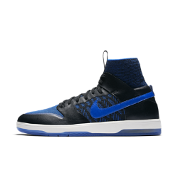 Мужская обувь для скейтбординга Nike SB Dunk High Elite QSМужская обувь для скейтбординга Nike SB Dunk High Elite QS с материалом Flyknit в области голеностопа для безупречной посадки объединяет классический стиль и современные технологии для максимальных результатов. Оригинальный силуэт был усовершенствован для создания более гибкой модели Dunk.Про Nike SB Кевин Терпенинг добавляет в модель нотусвоего стиля, выбрав традиционные насыщенные оттенки Air Jordan I Royal.  Непревзойденная амортизация  Увеличенная вставка Nike Zoom в области пятки обеспечивает легкость и защиту от ударных нагрузок при приземлении для комфорта каждый день, при выполнении любого трюка.  Безупречная фиксация  Классический высокий бортик Dunk High выполнен из легкого и эластичного материала Flyknit для поддержки, фиксации и комфорта в области голеностопа.  Превосходное сцепление  Тонкая резиновая подметка с разработанным для скейтбординга рисунком проектора в стиле Dunk обеспечивает невероятное сцепление для более уверенного выполнения трюков.<br>