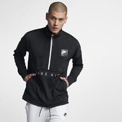 Мужская футболка Nike Sportswear AirМужская футболка Nike Sportswear Air с фирменными элементами и утягивающим шнурком в нижней кромке обеспечивает комфорт.<br>