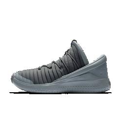 Мужские кроссовки Jordan Flight LuxeВдохновленные моделью AJ15 мужские кроссовки Jordan Flight Luxe с конструкцией без шнурков обеспечивают свободу движений низкого профиля и стабилизацию среднего, создаваяощущение невероятного комфорта в течение всего дня.<br>