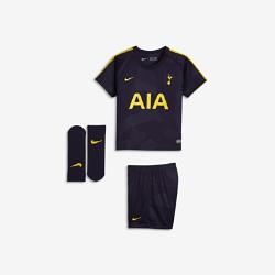 Футбольный комплект для малышей 2017/18 Tottenham Hotspur FC Stadium ThirdФутбольный комплект для малышей 2017/18 Tottenham Hotspur FC Stadium Third включает джерси, шорты и носки из дышащей ткани для максимального комфорта.<br>