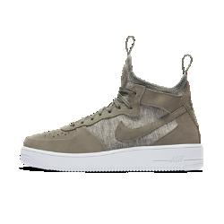 Мужские кроссовки Nike Air Force 1 UltraForce Mid PremiumМужские кроссовки Nike Air Force 1 UltraForce Mid Premium — современная версия баскетбольной легенды с поддерживающими кожаными накладками и внутренней вставкой, которая выводитповседневный комфорт на новый уровень.<br>