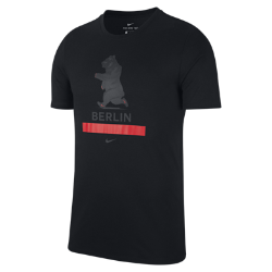 Мужская беговая футболка Nike Dry (Berlin 2017)Мужская беговая футболка Nike Dry (Berlin 2017) из влагоотводящей ткани обеспечивает комфорт до, во время и после пробежки.<br>