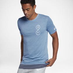 Мужская баскетбольная футболка Nike Dry KobeМужская баскетбольная футболка Nike Dry Kobe из влагоотводящей ткани с удлиненной сзади нижней кромкой обеспечивает комфорт и защиту.<br>
