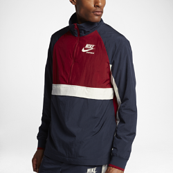 Мужская куртка из тканого материала Nike SportswearМужская куртка Nike Sportswear из легкого тканого материала с разрезом на спине с подкладом из сетки обеспечивает защиту и вентиляцию.<br>