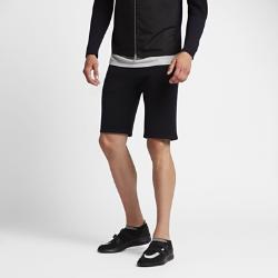 Мужские шорты NikeLab Tech KnitПроизведенные в Италии мужские шорты NikeLab Tech Knit — стильный и комфортный вариант для поездок и прогулок на каждый день. Эти шерстяные шорты из ограниченной серии обеспечивают идеальную посадку и первоклассный комфорт.<br>