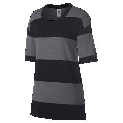 Женская футболка NikeLab Tech KnitПроизведенная в Италии женская футболка NikeLab Tech Knit напоминает невероятно мягкий и легкий летний свитер. Эта футболка из ограниченной серии произведена из шерсти для первоклассного комфорта.<br>