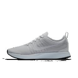 Мужские кроссовки Nike Dualtone Racer SEВдохновленные культовой обувью для забегов мужские кроссовки Nike Dualtone Racer SE плотно облегают стопу, создавая обтекаемый стремительный силуэт. Подошва двойной плотности обеспечивает мягкую амортизацию.<br>