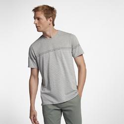 Мужская футболка Hurley Dri-FIT DohenyМужская футболка Hurley Dri-FIT Doheny из мягкой влагоотводящей ткани обеспечивает комфорт на весь день. Меланжевая окраска волокон и специальные полосы придают модели Dohenyстильный вид, идеальный для вечернего отдыха.<br>