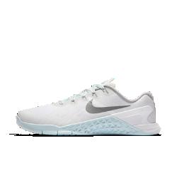 Женские кроссовки для тренинга Nike Metcon 3 ReflectЖенские кроссовки для тренинга Nike Metcon 3 Reflect созданы для самых интенсивных тренировок — от упражнений на канате и у стены до бега на короткие дистанции и поднятия веса.<br>
